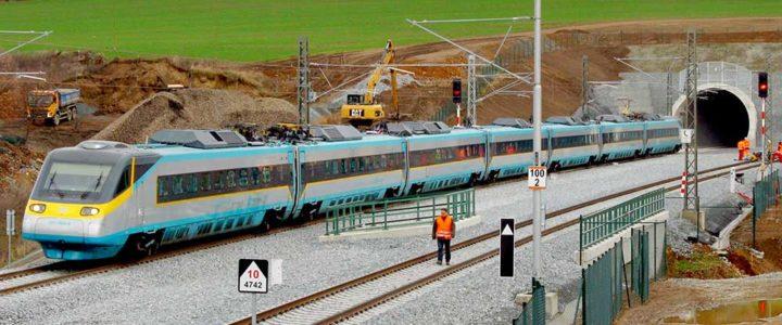 """Projekt <b>Moderní trendy v železniční dopravě</b> (X1MT) a příběh Jiřího Strejce a """"Bechyňky"""""""